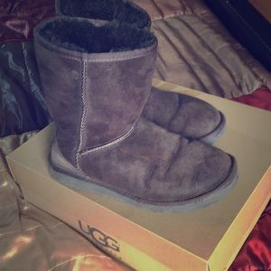 Classic Ugg boots in Brown